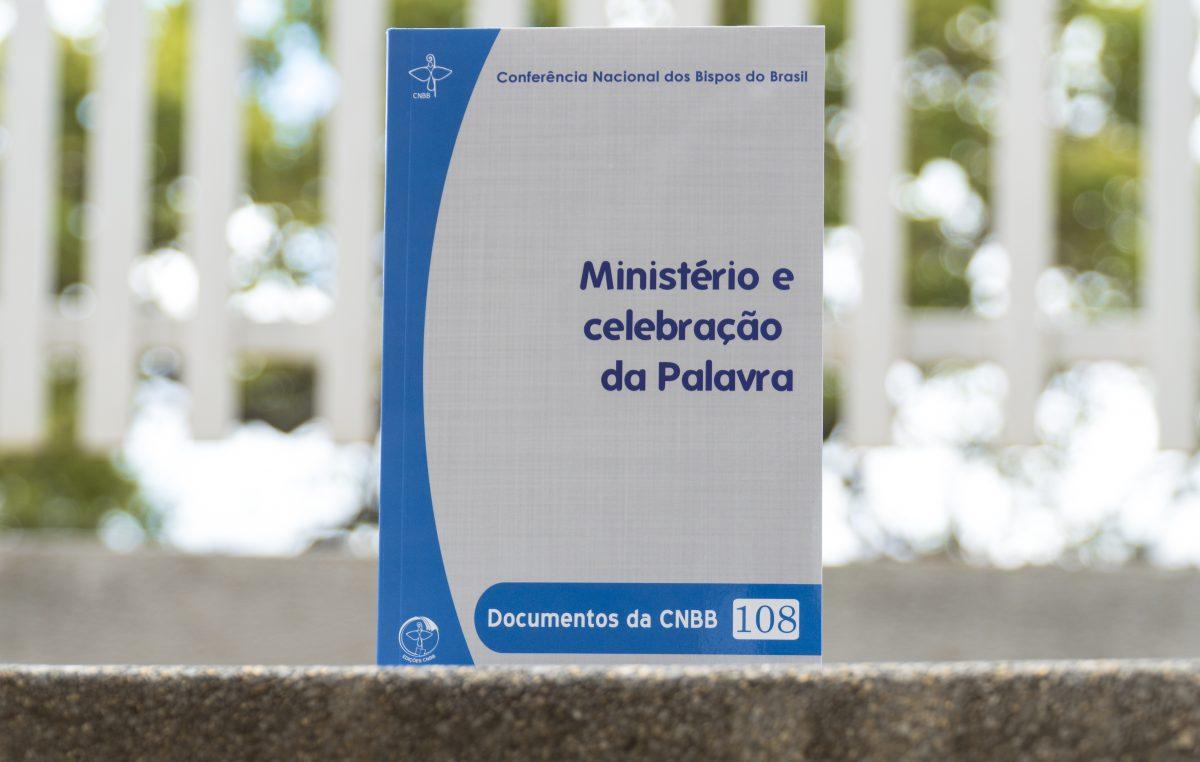 CNBB lança subsídio Ministério e celebração da Palavra