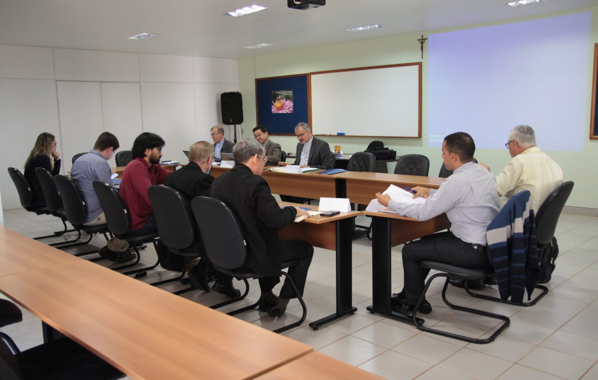 Após decisão do STF, bispos referenciais para o Ensino Religioso reúnem-se em Brasília