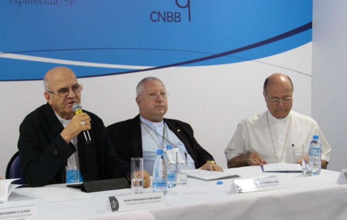Dom Fernando Suburido apresenta o XVIII Congresso Eucarístico Nacional à imprensa