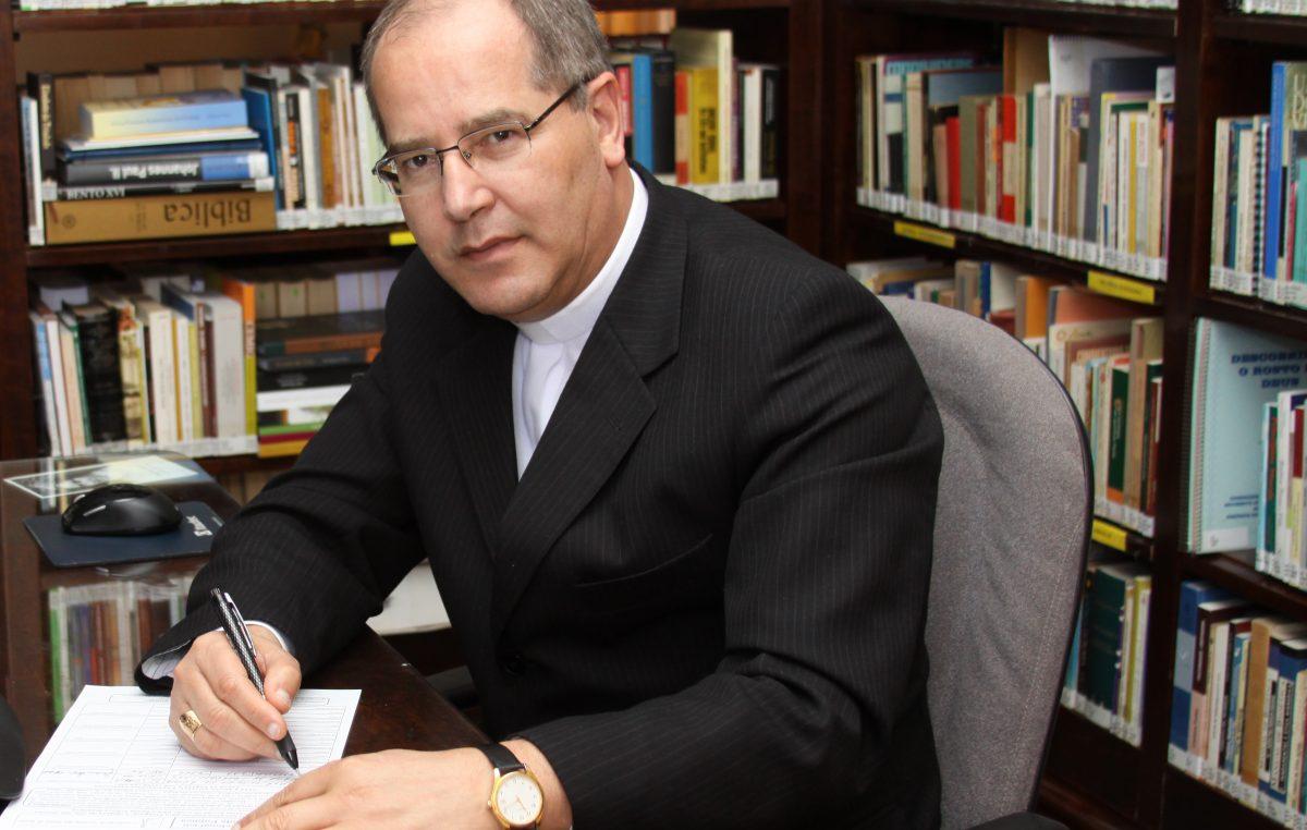 O desemprego atinge mais de 13 milhões de brasileiros, segundo o IBGE