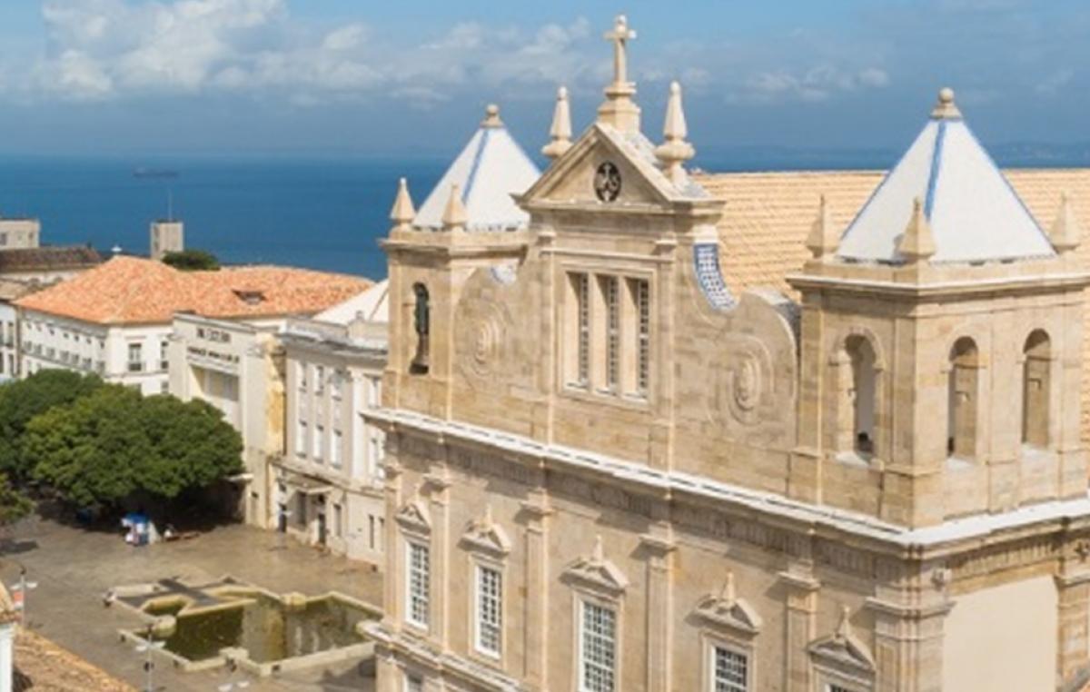 Selos e fotos: a catedral primacial do Brasil em destaque após restauração