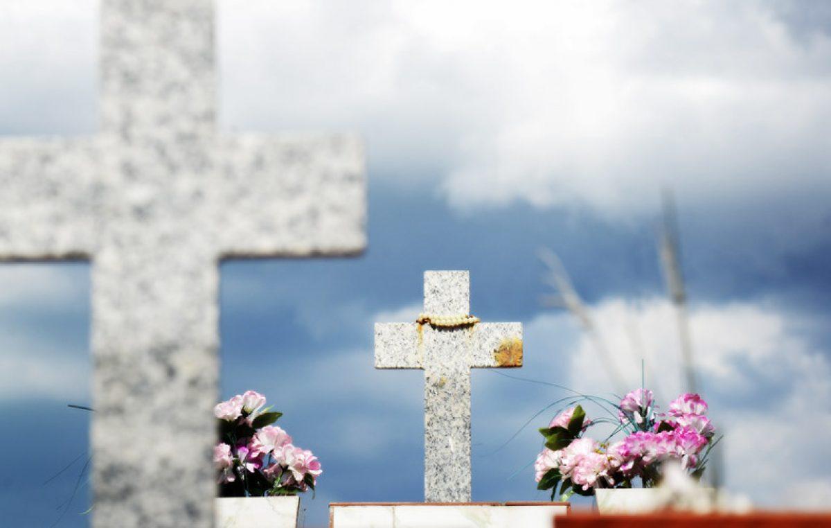 """""""Pronunciar uma prece pelos falecidos torna-se expressão de fé e de união em Cristo"""", afirma dom Armando"""