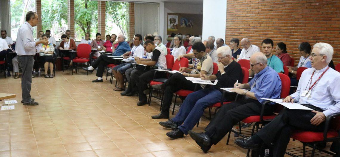 Assembleia do Comina discute Programa Missionário Nacional