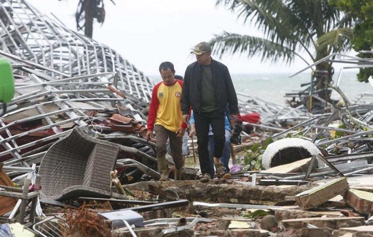 No Angelus, no domingo, 23 de dezembro, Papa rezou pelas vítimas do tsunami na Indonésia
