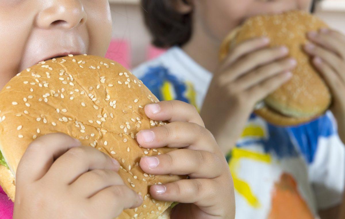 Dia da Conscientização contra a Obesidade Infantil alerta para principal causa de morte no mundo