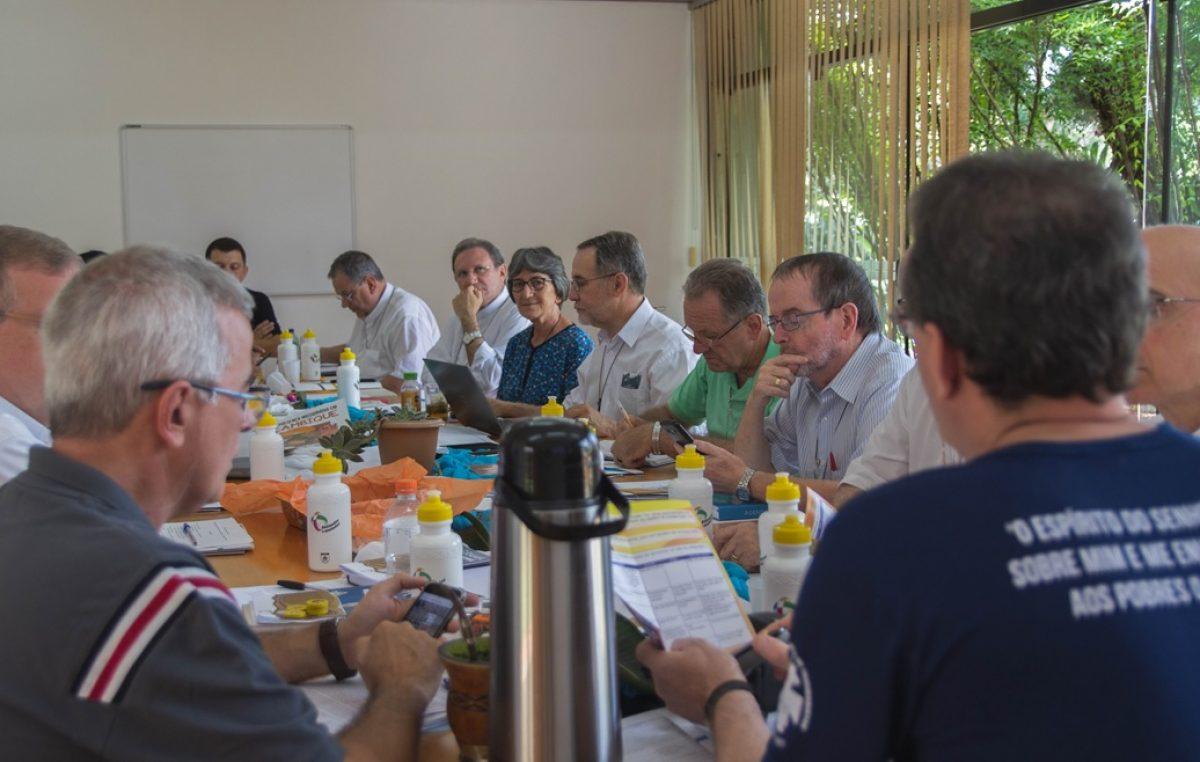 Assembleia do COMINA trabalha na finalização do Programa Missionário Nacional