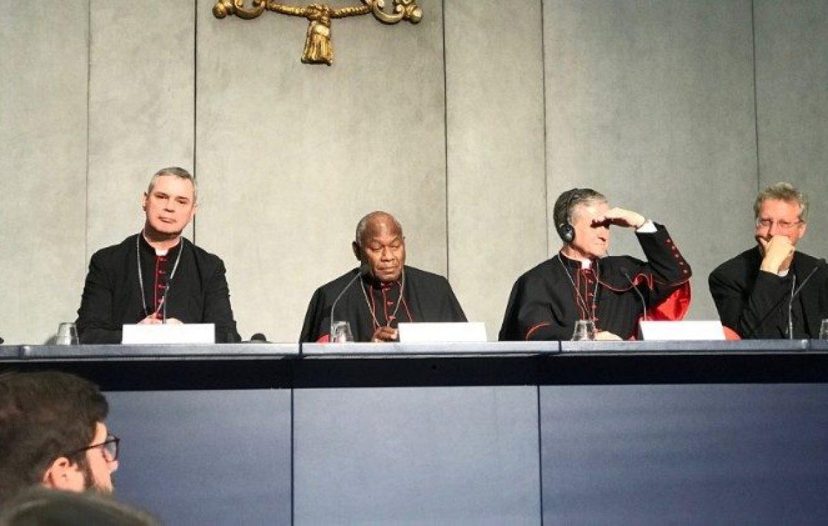 Sínodo: transparência e responsabilidade na questão dos abusos, defende cardeal Cupich